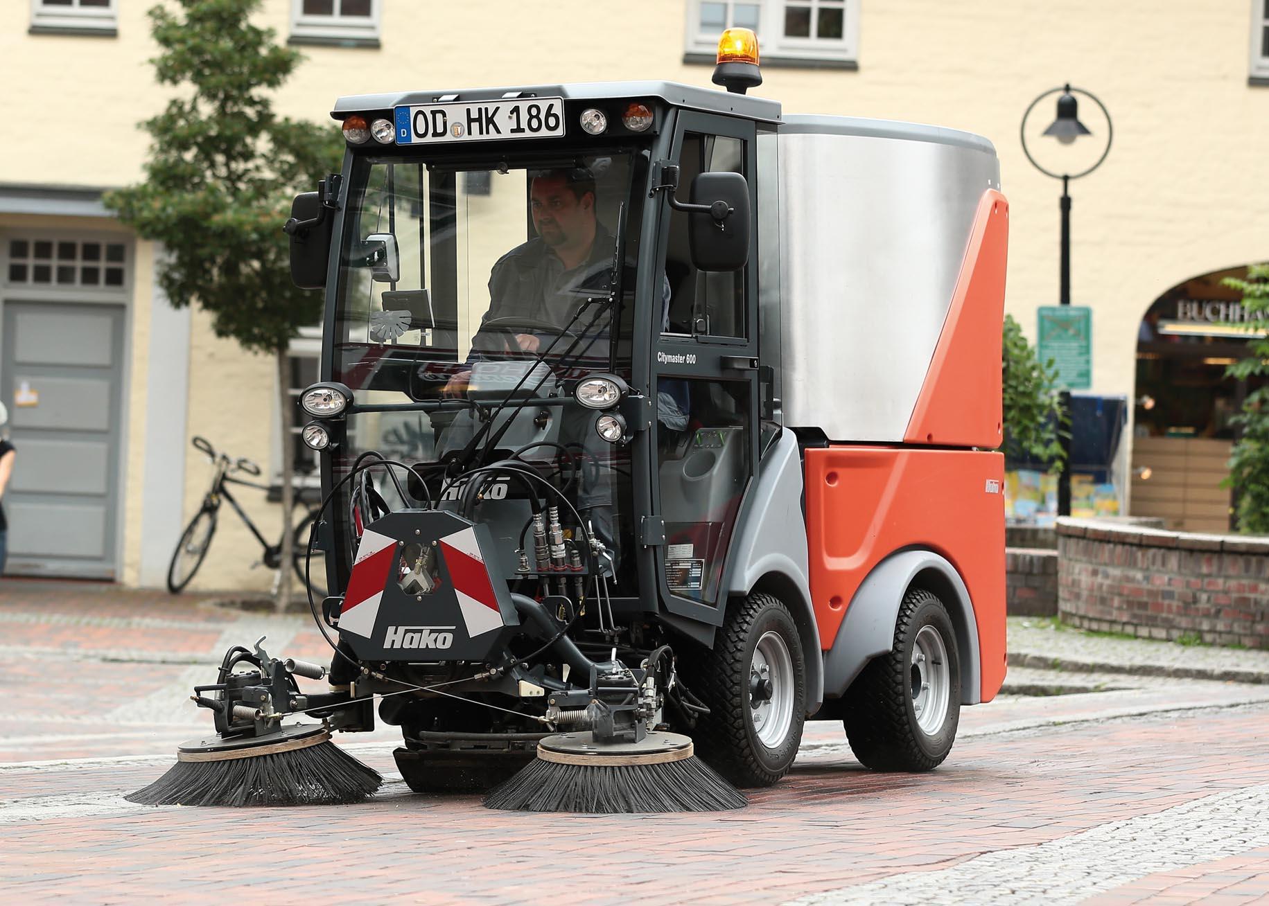 Αυτοκινούμενο σάρωθρο Hako Citymaster 600
